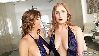 Splashing girl-on-girl fuck-fest - Alexis Fawx and Skylar Snow