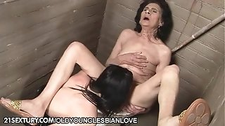 Laura and Channel - older youthful g/g enjoy in the toilette