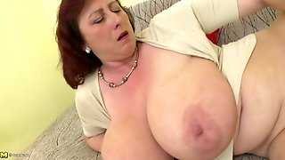 Mature goddess mom with gigantic cupcakes and hungry beaver