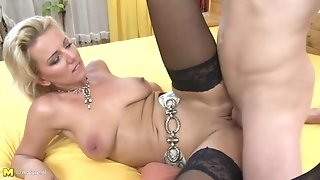 Taboo home romp with stunning mom and young sonnie