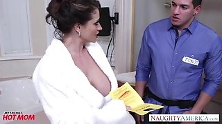 Mischievous mummy Eva Notty gives bap pounding