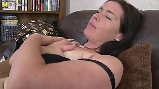 UK mature mother with saggy globes and wool caked slit
