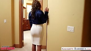 Ultra-kinky mommy Eva Notty humping man rod with her cupcakes