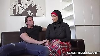 Super-banging-hot muslim super-banging-hotwife bang