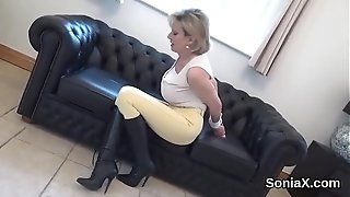 Hotwife brit mummy chick sonia shoots a load out her intense naturals