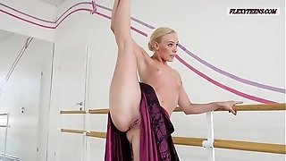 Anna Sigarga with gymnastics never seen before