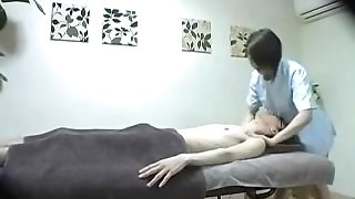 Chinese massagist