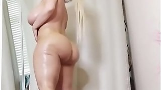 Humungous phat ass white girl Stassi Rossi