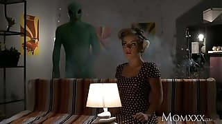 Mother Lonely housewife gets deep investigate from alien on Halloween